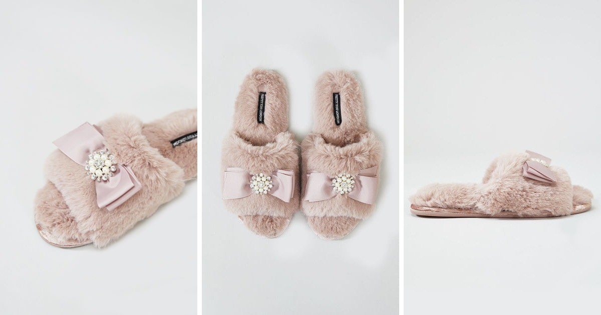 6e910bc574e3 Womens Anya Faux Fur Slipper Sliders In Pink With Bow And Pearls