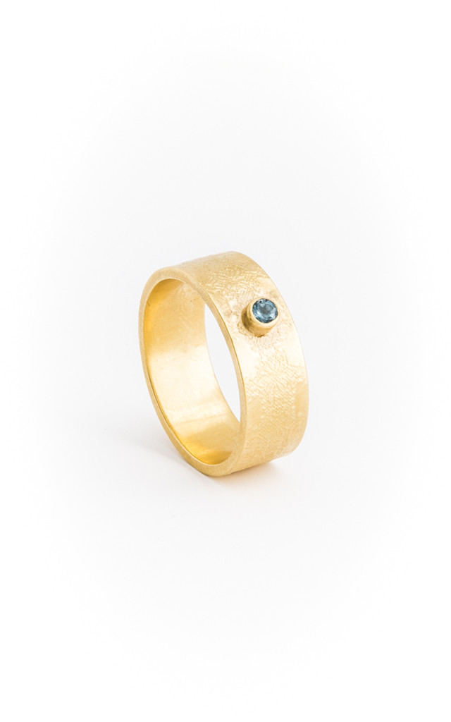 Medium etched Gold band with stone by Becky Dockree Jewellery