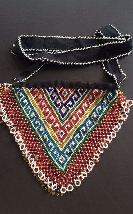 Kuchi beaded triangle bag by Boutique Alter Ego Product photo