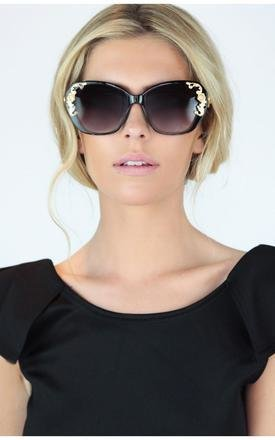 Matt gold cat eye black noir sunglasses by Dolly Rocka Product photo