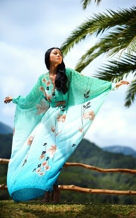 Flower kaftan by Boutique Alter Ego Product photo