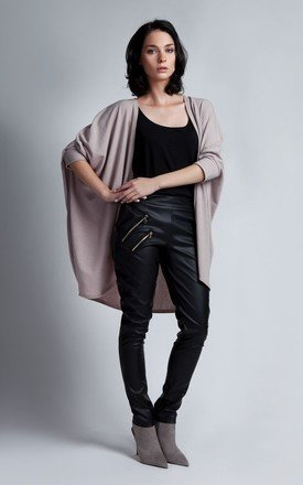 Beige oversize cape by Lanti Product photo