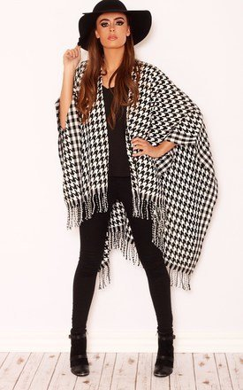 Chelsea dogtooth print poncho by LullaBellz Product photo