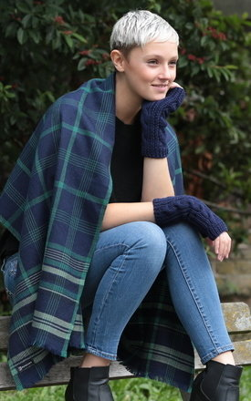 Handwoven merino wool scarf tartan checks navy by likemary Product photo