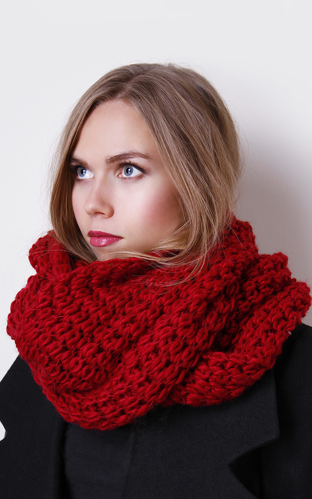 Red Wrap Knit Scarf by Liquorish