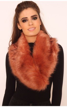Caitlyn peach faux fur collar scarf by LullaBellz Product photo