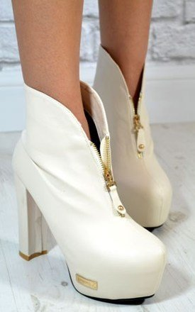 Ladies fashion block heel zip front ankle boots by NAOMISHU Product photo