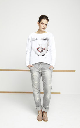 White jumper with printed face by EWA ZWOLINSKA Product photo
