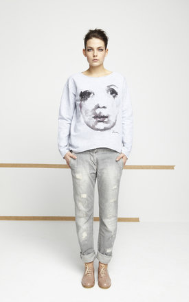 Grey jumper with printed face by EWA ZWOLINSKA Product photo