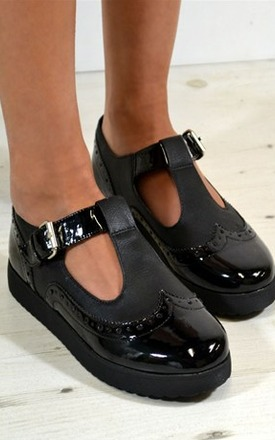 Brisa oxford style cut out buckle shoes by NAOMISHU Product photo