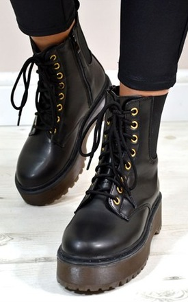Haze flat grip martin style lace up ankle boots by NAOMISHU Product photo