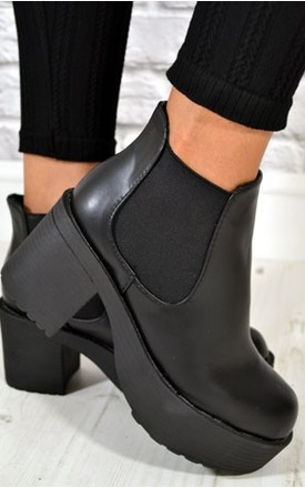 Ladies chunky heel biker style chelsea ankle boots by NAOMISHU Product photo
