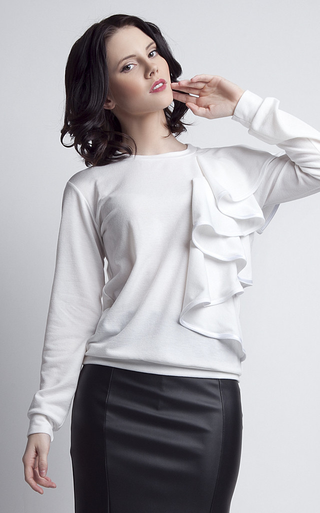 Ecru blouse with frill by Lanti