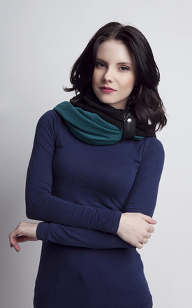 Green and black infinity scarf by Lanti Product photo
