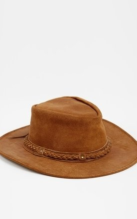 Suede hat camel by Liquorish Product photo