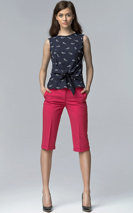 Fuchsia cropped trousers by Lanti Product photo
