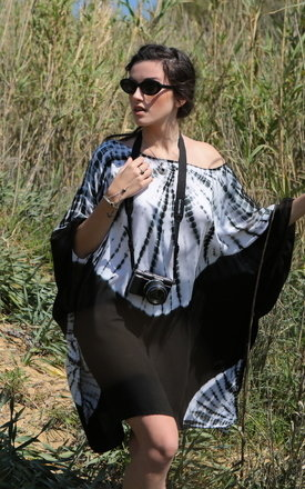Boat neck tie dye kaftan black by likemary Product photo