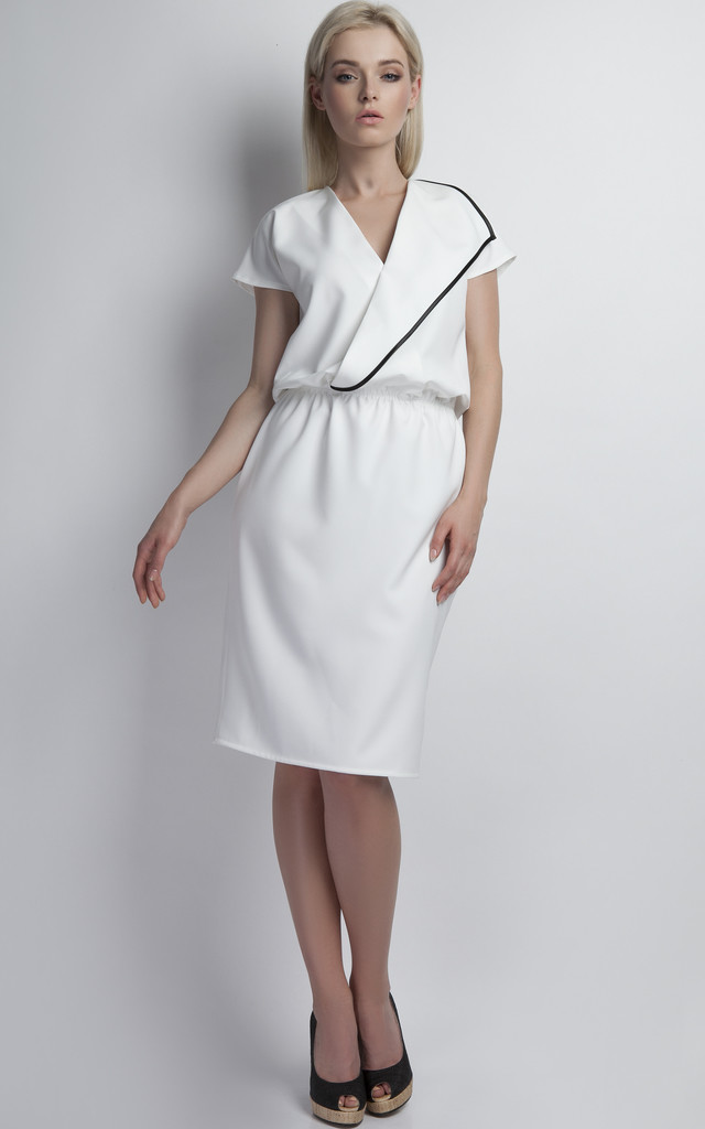 Dress with piping by Lanti