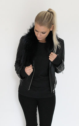 Navy fur collar by Scarlett Black London Product photo