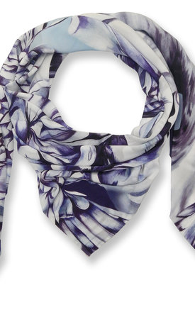 Albany oversized luxury scarf by Leanne Claxton Product photo