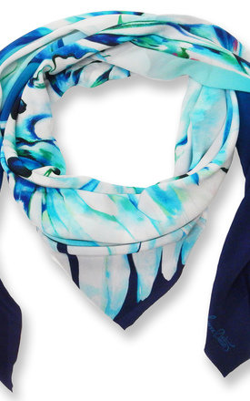 Malay oversized luxury scarf by Leanne Claxton Product photo