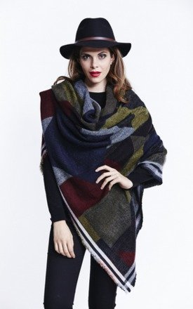 Print blanket wrap scarf by Liquorish Product photo