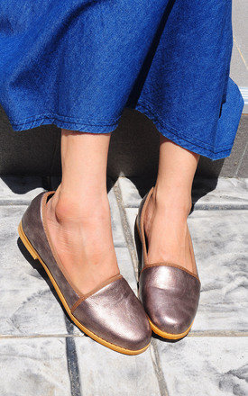Anaken brown smoke loafers by SEIRA ELVES
