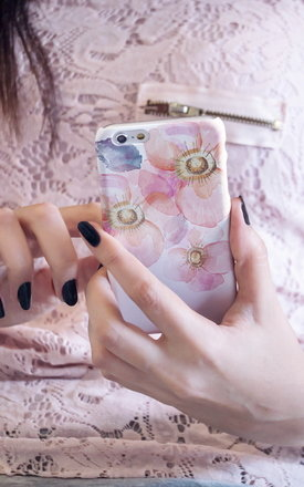 Watercolour anemone iphone case by Madotta Product photo