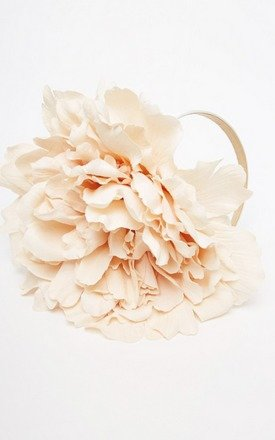 Seren oversize peony flower headband by Rock N Rose Product photo