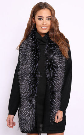 Gina grey faux fur scarf by Dolly Rocka Product photo