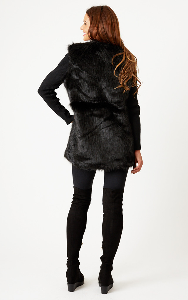 Black Ribbed Sleeve Faux Fur Jacket by Oh My Love