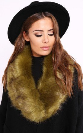 Stephy khaki green faux fur scarf by Dolly Rocka Product photo