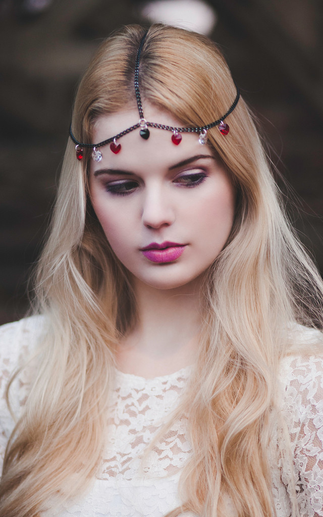 Queen of Hearts Chain Hair Jewellery by Beauxoxo