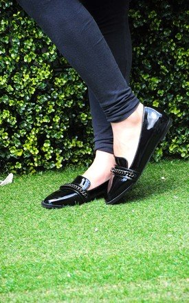 Hasan glossy black loafers with metal chain by SEIRA ELVES