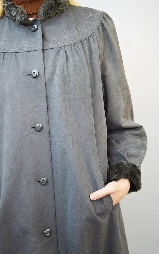 80's faux velvet & faux fur detailed embroidered swing coat by Lover