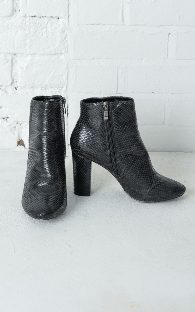 snakeskin ankle boots black silkfred