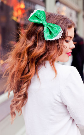Emerald Green Velvet Hair Bow by Beauxoxo