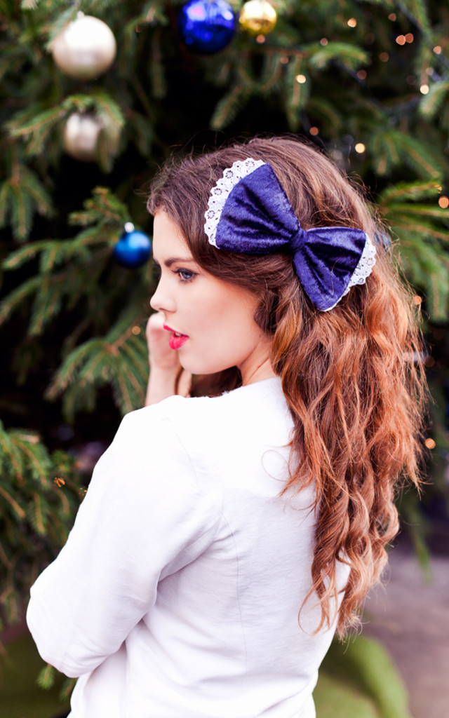 Navy Blue Velvet Hair Bow by Beauxoxo