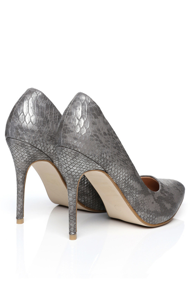 Faux Snake Skin Silver Shoes by Jezzelle