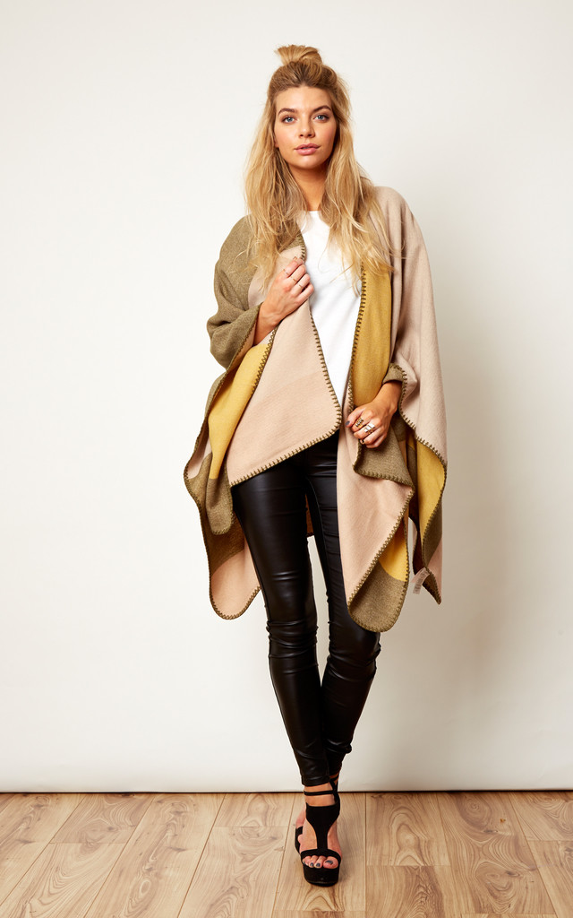Chunky Patchwork Knitted Cape by VILA