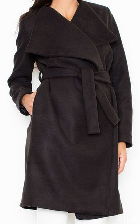 Black Long Coat-Like Jacket Made of Scuba-Knit Fabric by FIGL