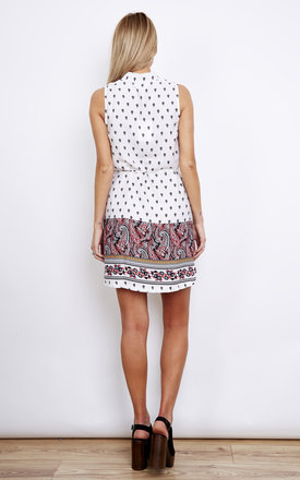 White Sleeveless Shirt Dress With Pink And Black Paisley Print by Lola May