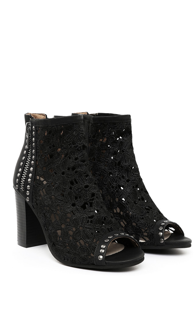 BLOCK HEEL STUDDED LACE BOOTIES by Jezzelle