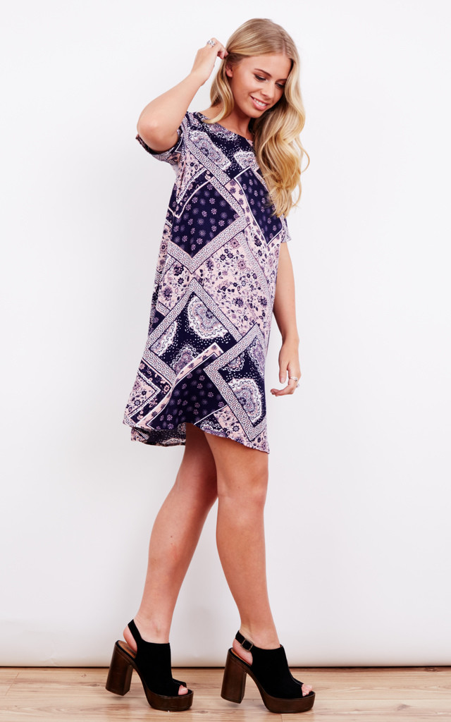 NAVY AND PINK PAISLEY TEA DRESS by Glamorous
