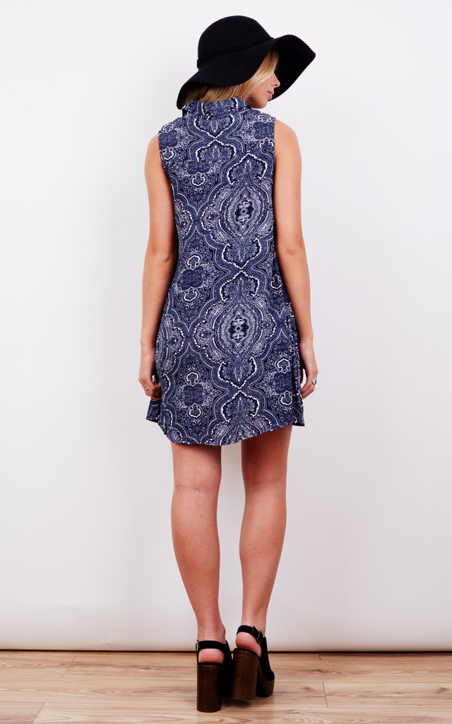 NAVY PAISLEY SLEEVELESS SHIRT DRESS by Glamorous