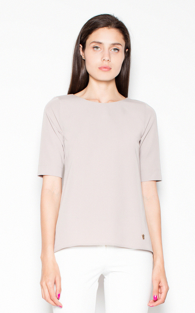 Short Sleeve Blouse with Low Back in Beige by Venaton