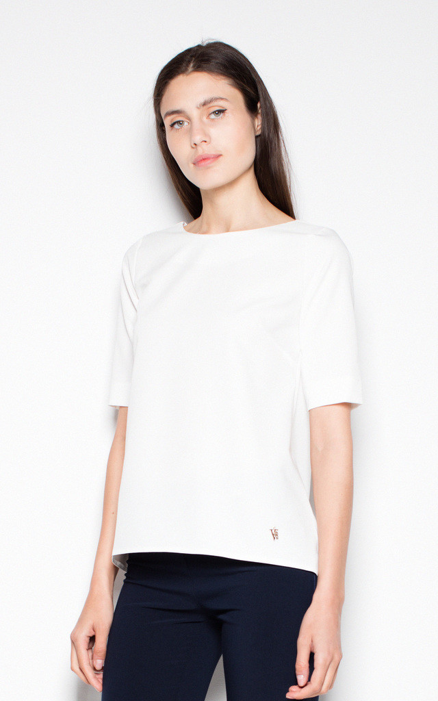 White asymmetrical top shirt with short sleeves with a spectacular neckline on the back by Venaton