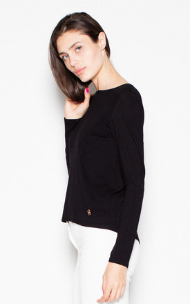 Black top with a spectacular neckline at the back by Venaton