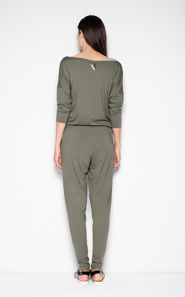 Olive green sports jumpsuit with a U-neck by Venaton
