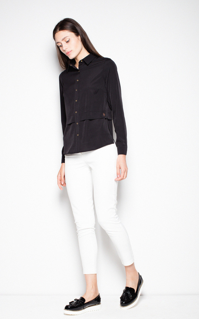 Black elegant shirt with a collar by Venaton